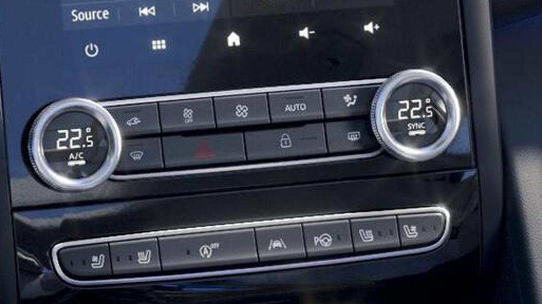 Conditionnement d'air automatique bi-zone avant avec capteur de toxicité