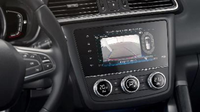 Achteruitrijcamera (inclusief parkeersensoren vóór en achter)
