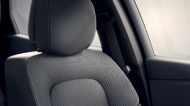 Fahrer- und Beifahrersitz höhenverstellbar