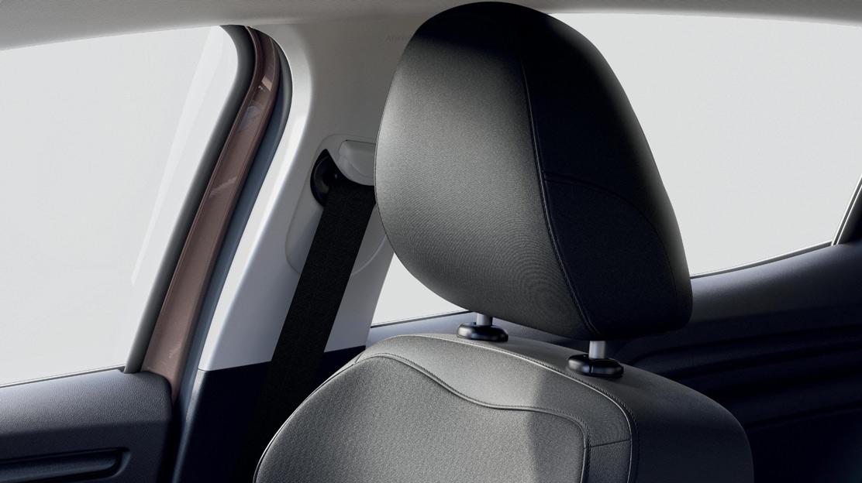 Fahrersitz höhenverstellbar mit manuell einstellbarer Lendenwirbelstütze