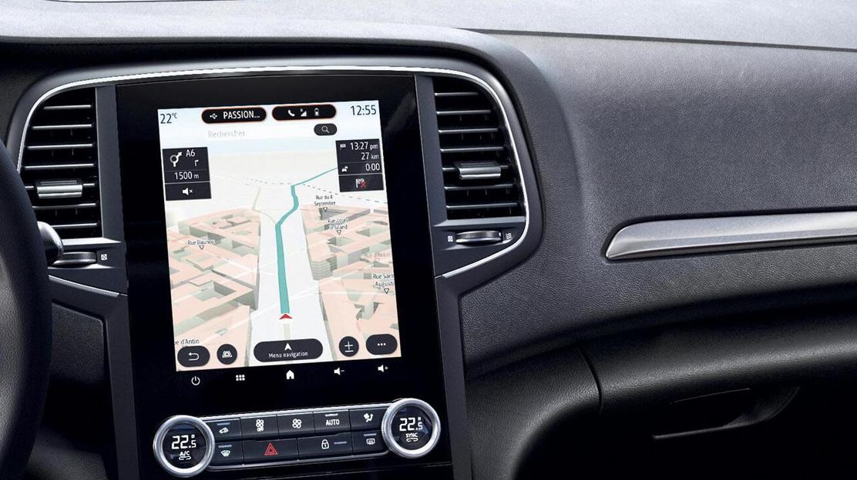 EASYLINK avec écran 9,3'' vertical et navigation : système multimédia avec radio DAB et navigation,