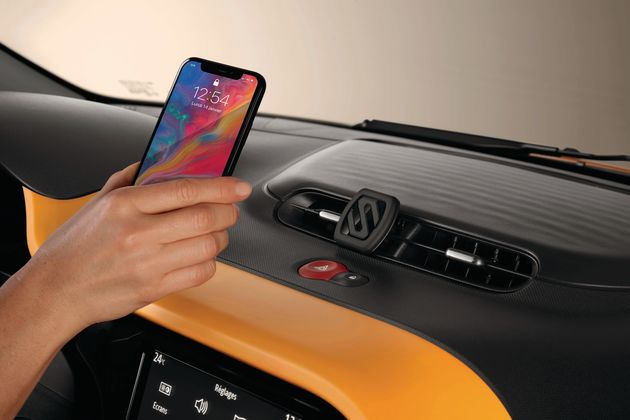 Suport smartphone magnetic pe aeratoare