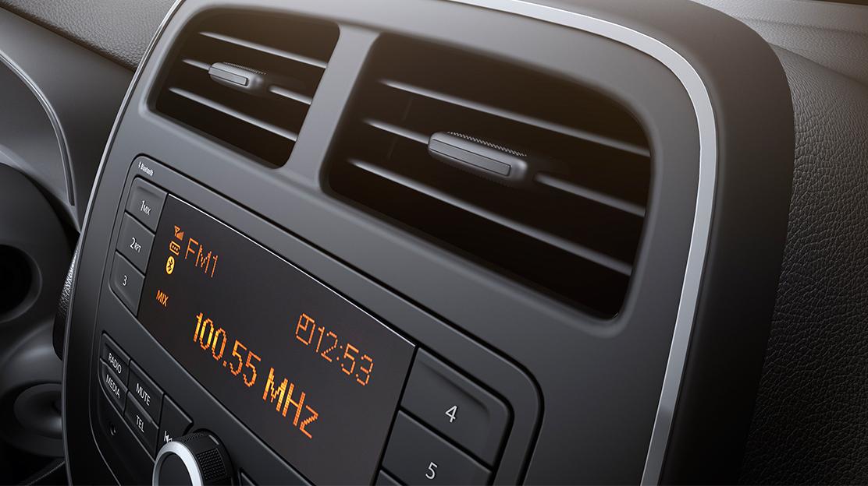 Rádio Continental (Bluetooth, USB, AUX)