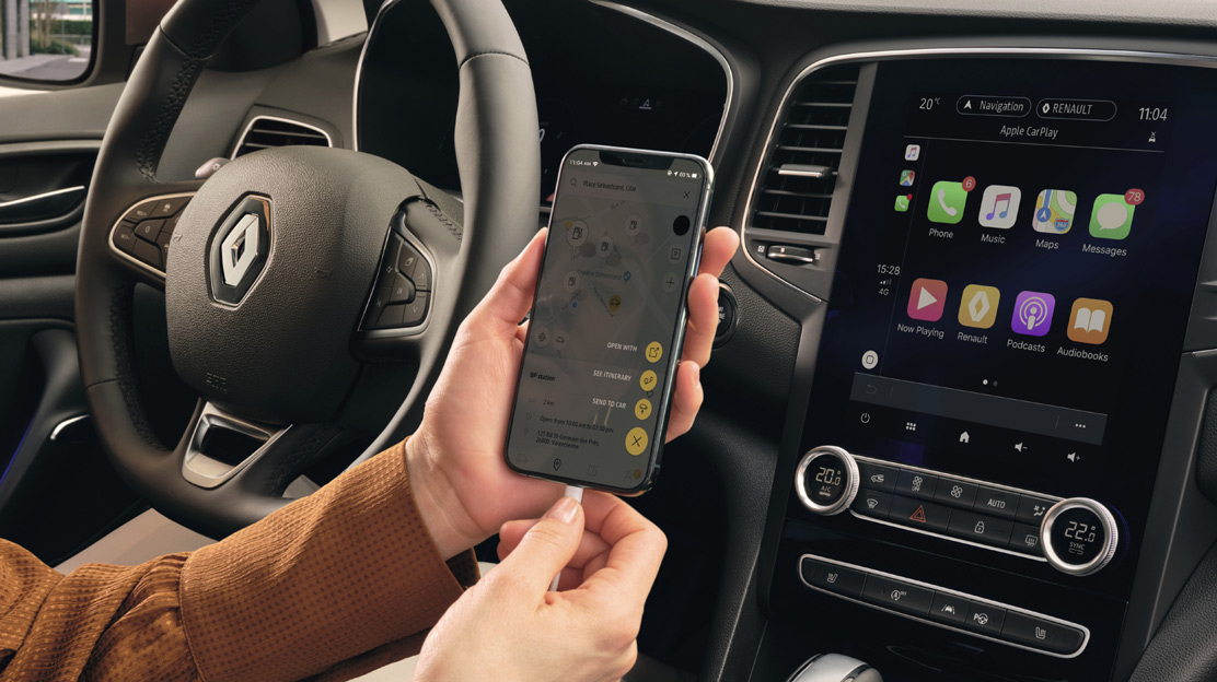 Funkcija povezljivosti z aplikacijama Android Auto™ in Apple CarPlay ™
