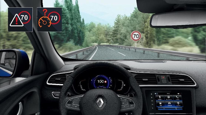 Opozorilnik prekoračitve hitrosti s prepoznavo prometnih znakov