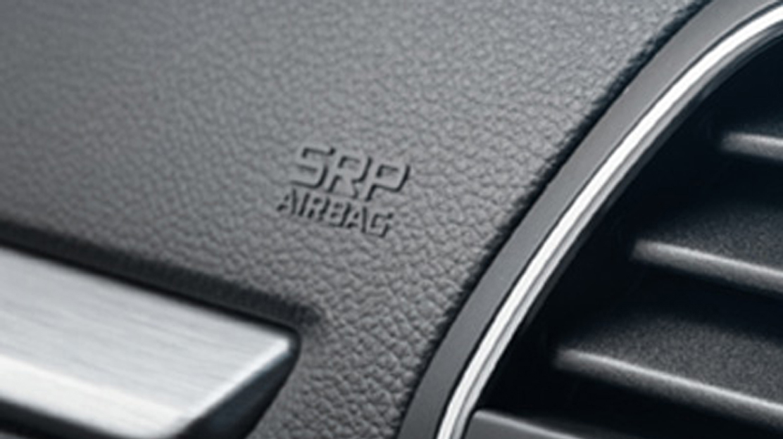 Airbag a tendina anteriori e posteriori