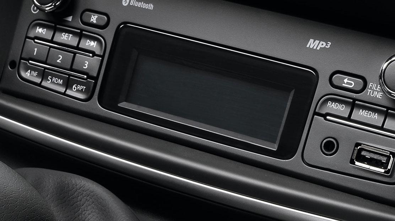 Radio tuner MP3, Bluetooth, Plug & Music met bedieningssatelliet aan het stuur
