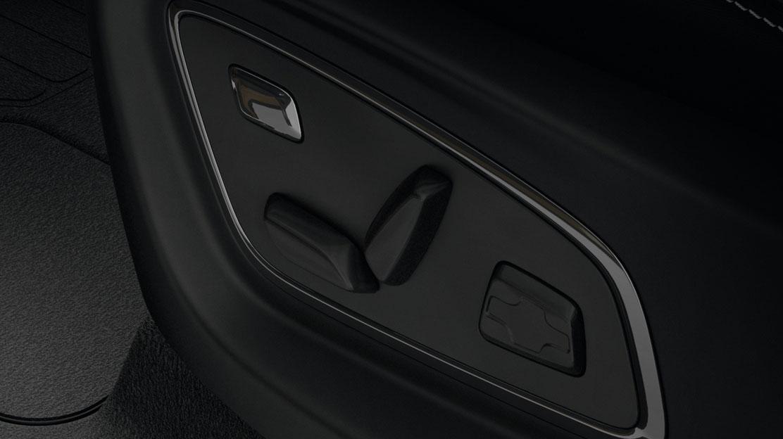 Prednja sjedala električno podesiva s masažom i memorijom za vozača (suvozačevo sjedalo nije preklopivo u stol) i preklopnim stolom na stražnjoj strani
